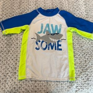 Free with any 3/25 bundle!  Toddler rash guard 4T